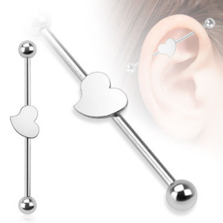Piercing industriel avec petit coeur