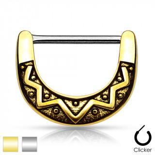 Piercing téton à motif tribal mystérieux